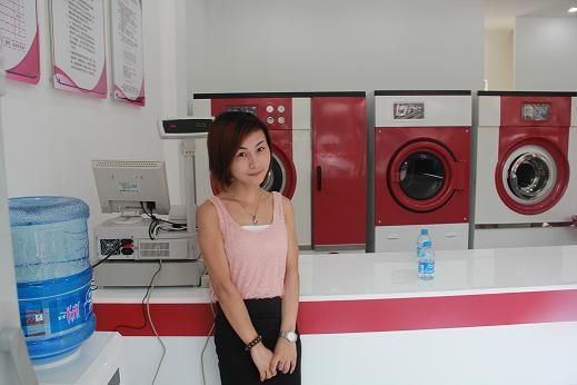 开家干洗加盟店需要准备什么?UCC洗衣加盟连锁品牌专业人士驻店指导!